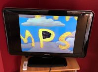 This Raspberry Pi Media Player Plays Simpsons Episodes at Random