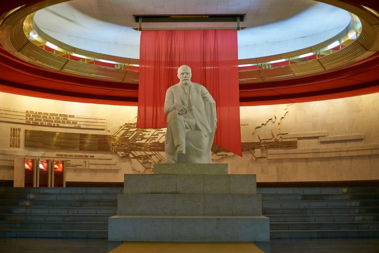 The Lenin statue in the Lenin Museum